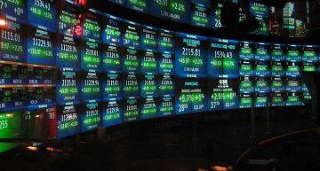 Trader Dumps $1.3 Billion Worth Apple Shares
