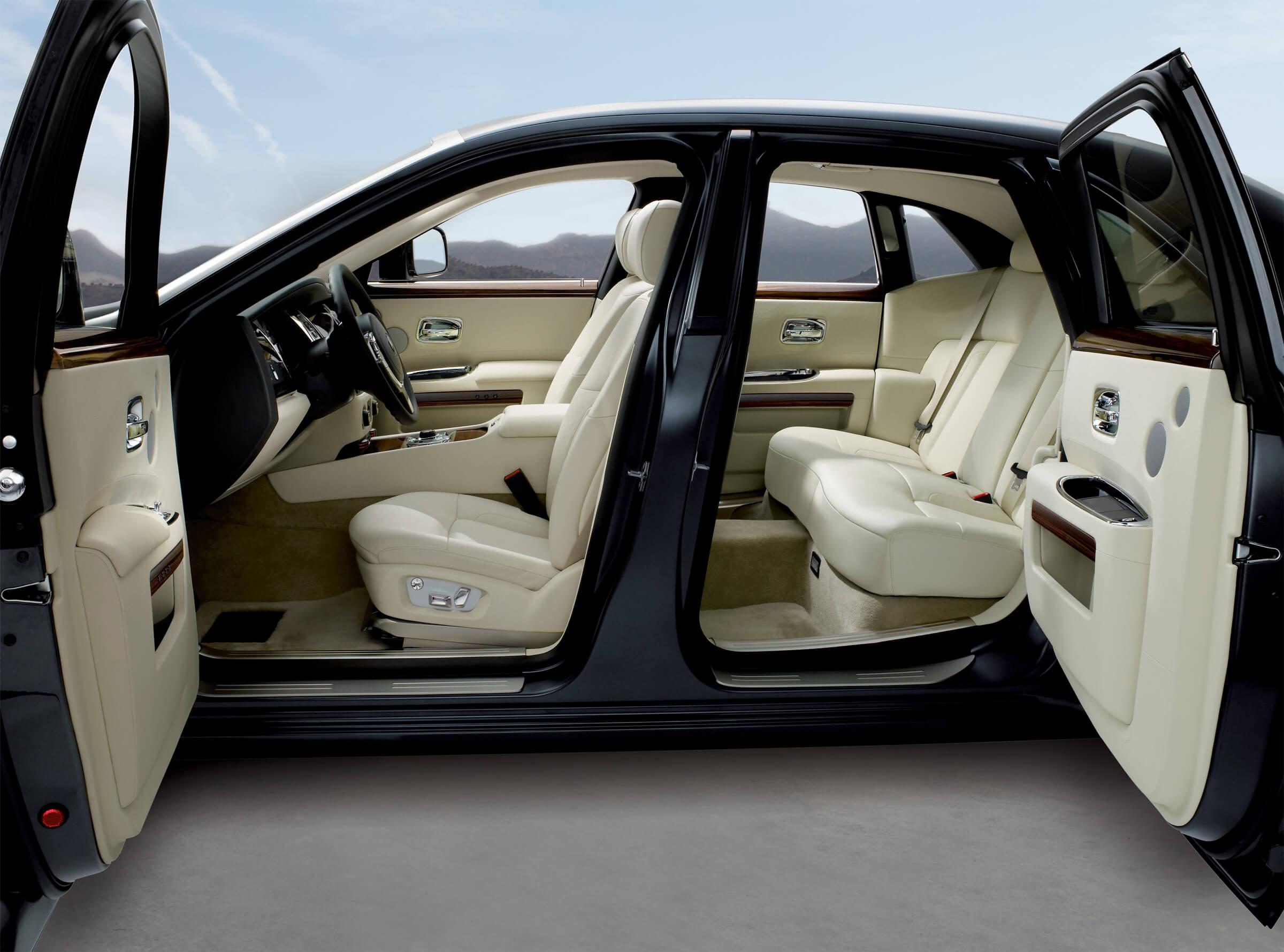Rolls Royce Phantom Best Luxury Cars: Ghost Revives UK Luxury Car Brand: Record Sales For Rolls