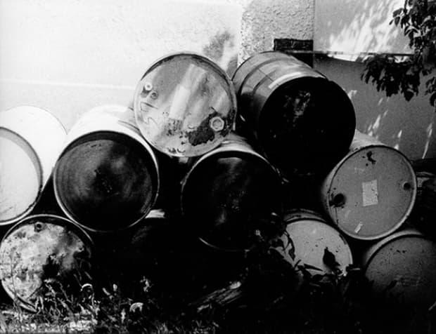 Oil steadies on U.S economic recovery despite Libya, Syria and Yemen