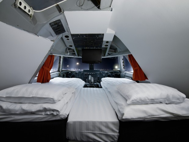 Flying Eco-Hotel? Almost. Jumbo Stay,the Plane Recycled into a Hotel