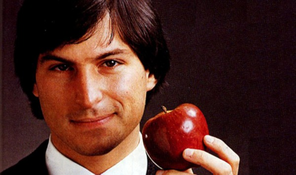 Kindle Releases Steve Jobs Biography Before Date, Honors Visionary
