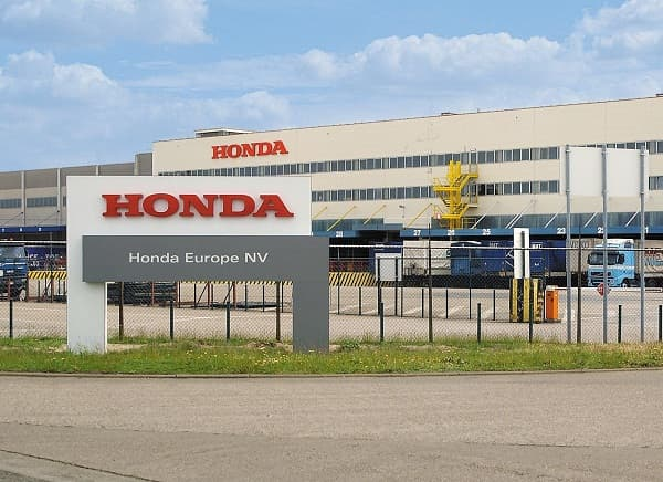 Honda shows a profit rise