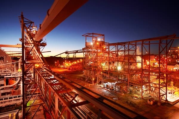 BHP Billiton sets aside Olympic Dam project as profit drops
