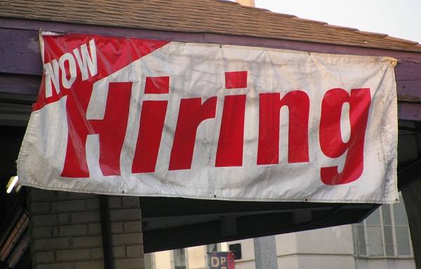 Employment Rate Rises in the UK
