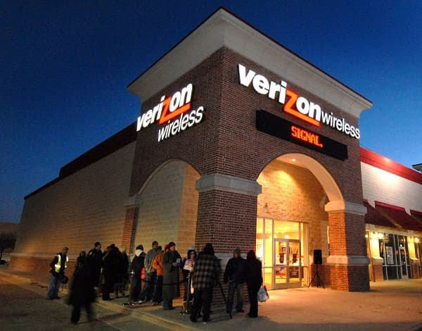 Verizon Wireless spectrum deal with Comcast Corp. approved.