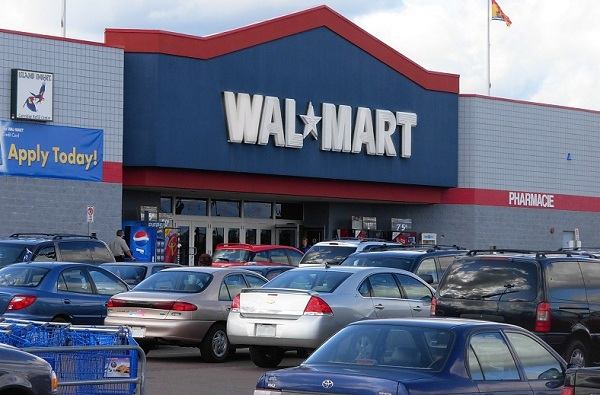 Wal-Mart Stores against $6-billion credit card fee settlement