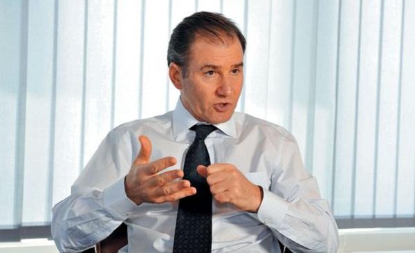 Glencore delays vote on $34B merger with Xstrata