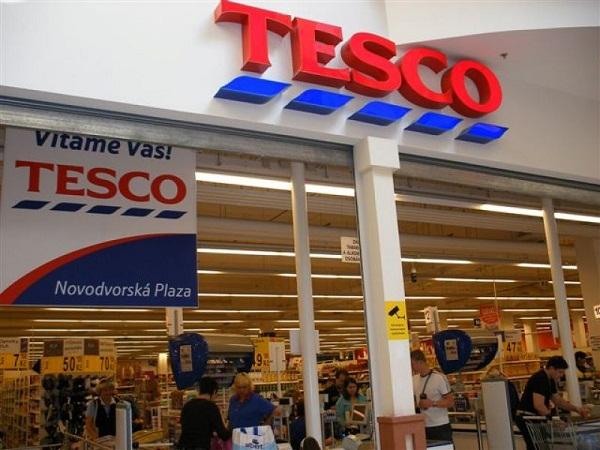 Tesco Profits Fall in Almost 2 Decades despite Rising Sales in the U.K.