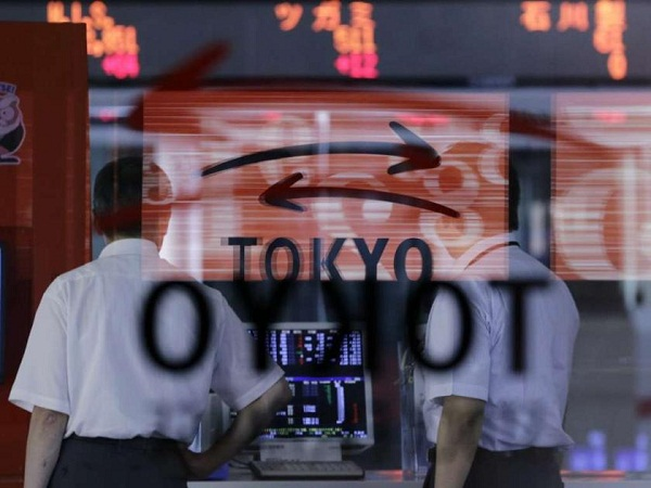 Asia shares steady before US vote