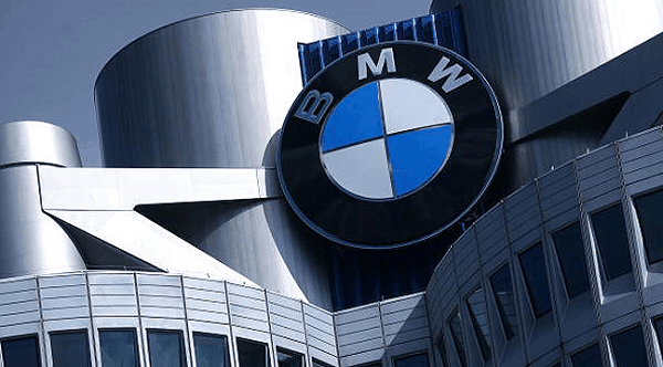 BMW 3Q profit tops estimates as China's sales offset European weakness