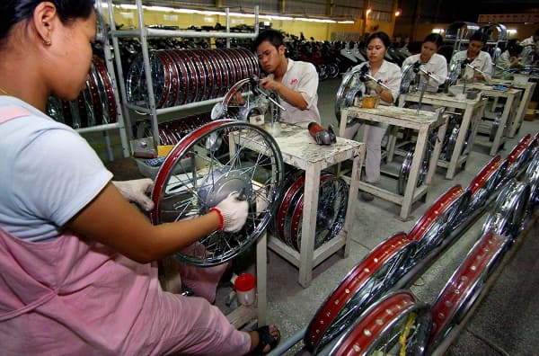 China's manufacturing grows in November; Chinese dragon is back