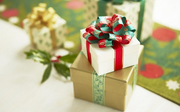 Here comes Christmas, here come gifts – shipping companies in rush