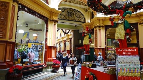 UK retail sales climb in November, but customers await holiday bargains