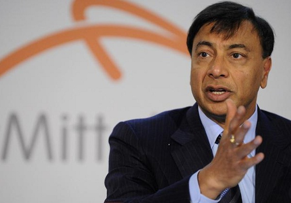 ArcelorMittal posts loss for Q4 but forecasts improvement in 2013