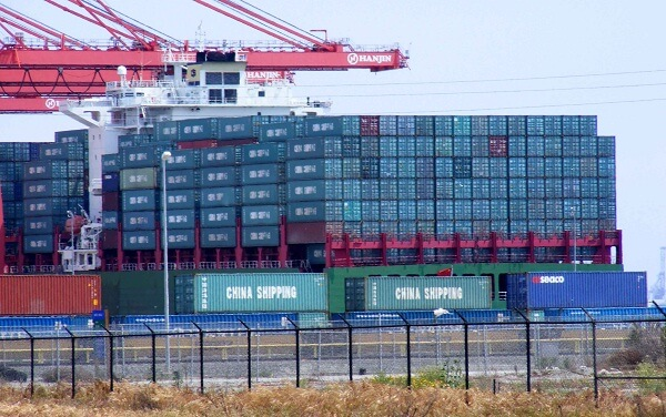 China enjoys strong exports in February