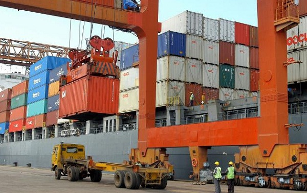 German exports increase 1.4% in January topping analysts' estimates