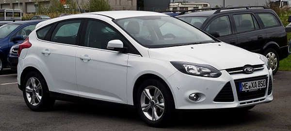 Ford Focus beats rivals and becomes best-selling car in 2012
