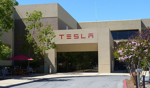 Tesla electric Model S drives profits in First Quarter