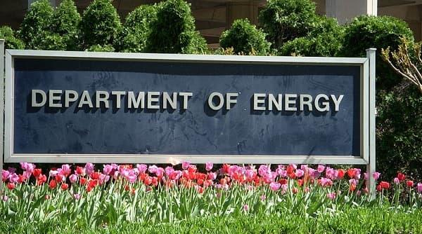 Natural Gas Export Terminal lights burning Debate