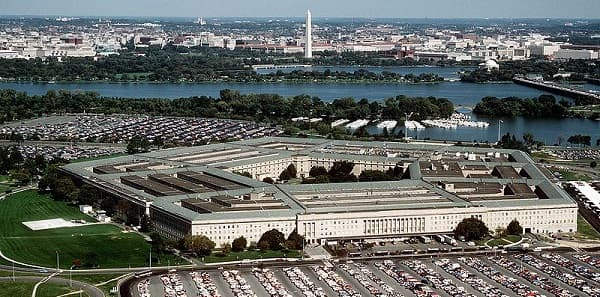DoD reviews Apple and Samsung devices, approves BB 10