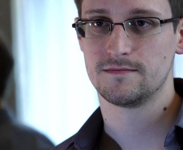 PRISM Whistleblower Edward Snowden puts Obama & Tech Companies on the defensive