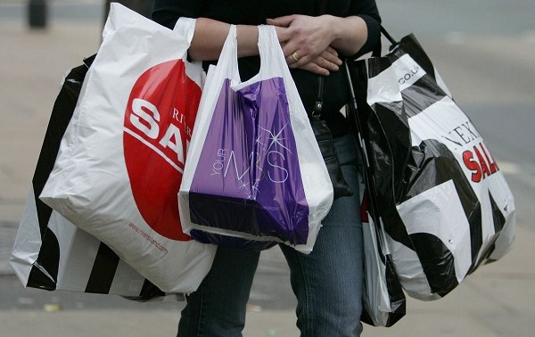 UK retailers thank 1.8% increase in consumer spending