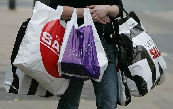 UK retailers thank 1.8% increase in consumer spending