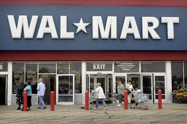 Wal-Mart cuts iPhone 5 and iPad prices