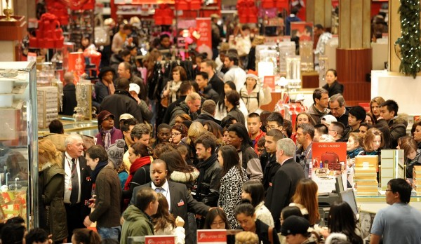 http://www.industryleadersmagazine.com/wp-content/uploads/2013/11/BLACK-FRIDAY-shoppers-1024x593.jpg