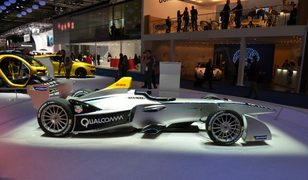 Electric cars and smart clothing: a reality in 2014