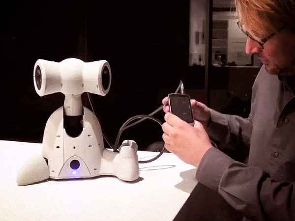 Robots Soon to Play Human Roles… Emotionally!!