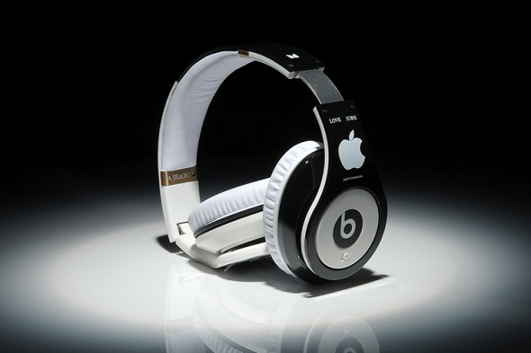 Beats by Dr.Dre Studio HD LOVE Steve Jobs Apple Limited Edition Headphone Powered Isolation Headphone