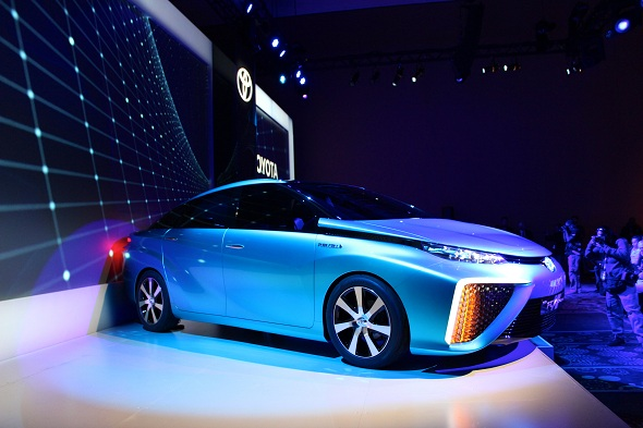 Toyota looking to launch hydrogen fuel cell car next year