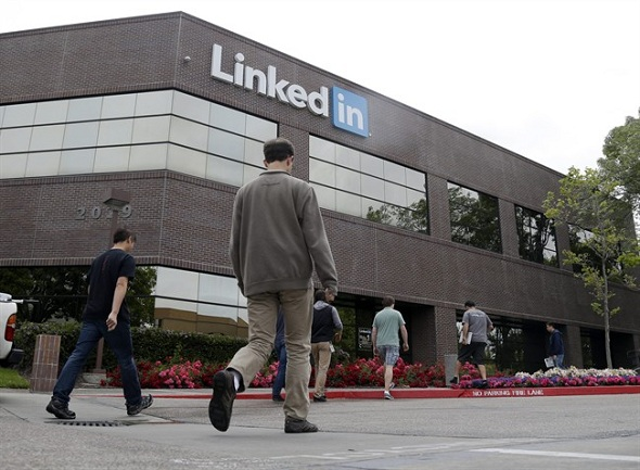 LinkedIn Corp Acquires Notification Service Newsle