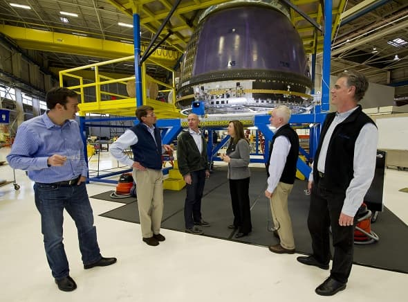 NASA Deputy Administrator Tours Blue Origin