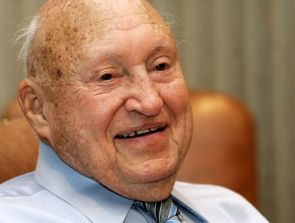 S. Truett Cathy, Chick-fil-A founder Dies at 93