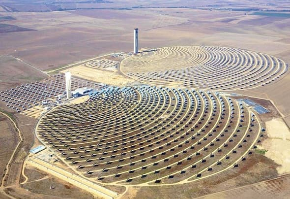 U.S. Oil Economy Could Falter as Saudi Arabia Enters Solar Market