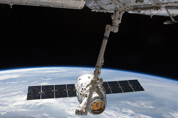 Google said to be in talks to invest $1bn in SpaceX's low-cost satellite internet service project