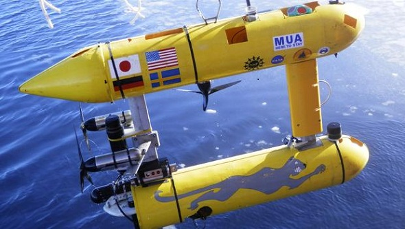 Autonomous underwater vehicle-robot can make decisions and plan its own missions