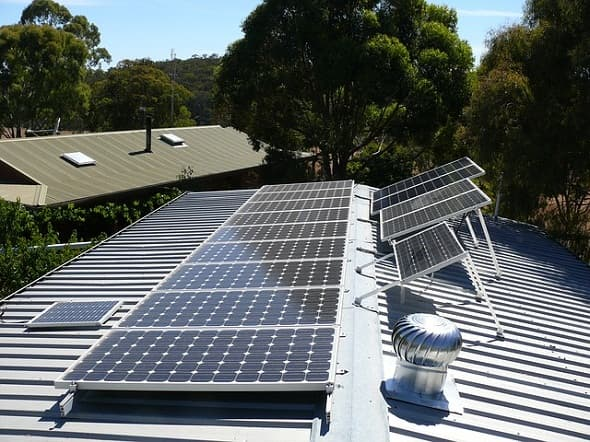 Hawaii fights with Kniks of Solar Power
