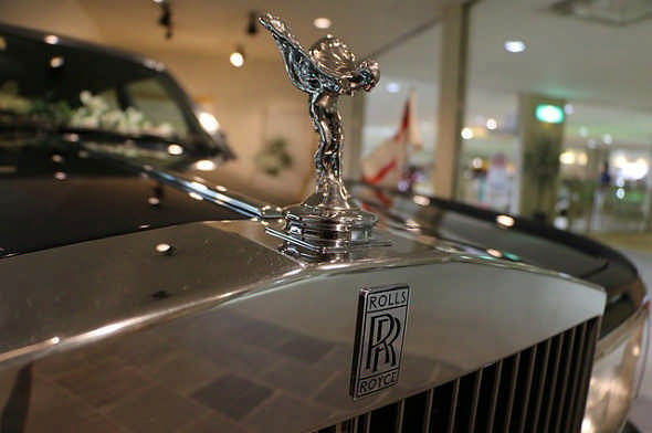 Rolls-Royce Scraps Its First Ever Buyback Shares, Warns Weak Profits
