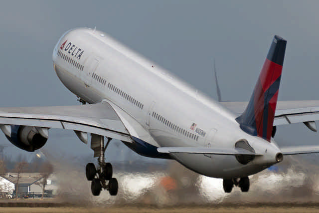 N805NW_Delta_Air_Lines_(Northwest)_(5351743025)