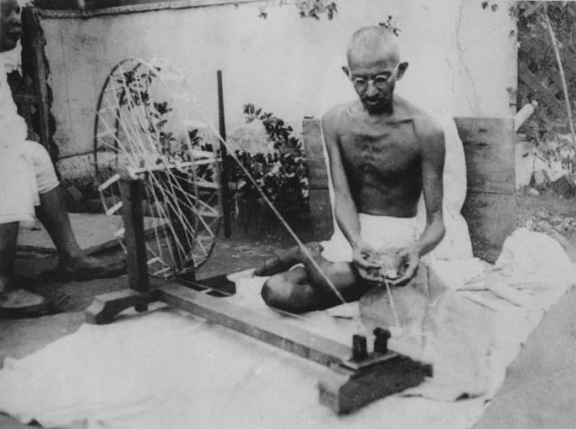 Gandhi_spinning