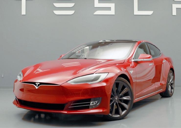 Tesla layoff