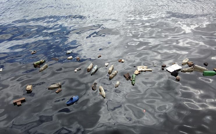 ocean plastic waste pollution