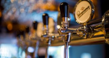 Anheuser-Busch and MillerCoors sink amidst economic expansion in the beer industry