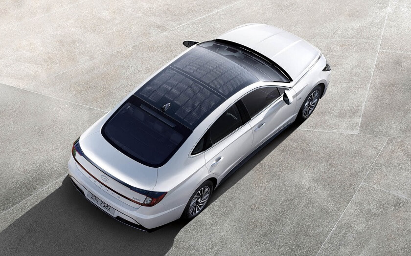Hyundai Sonata hybrid with solar panel roof