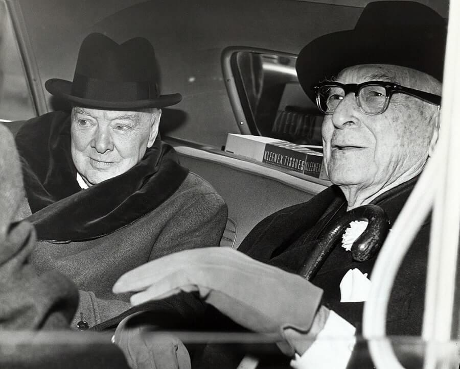 Winston_Churchill_great_leaders_history