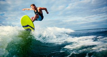 10 Most Popular Surfers of the World
