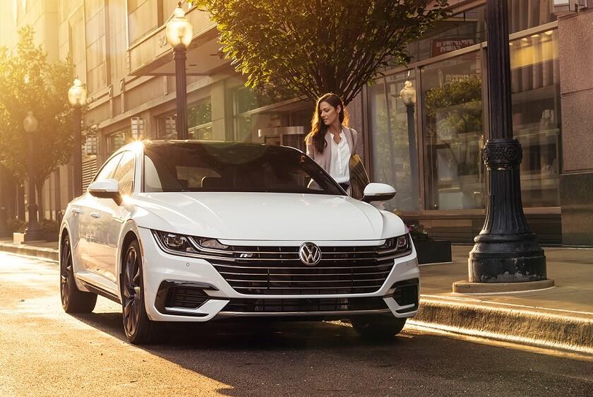 2020-Volkswagen-Arteon-R
